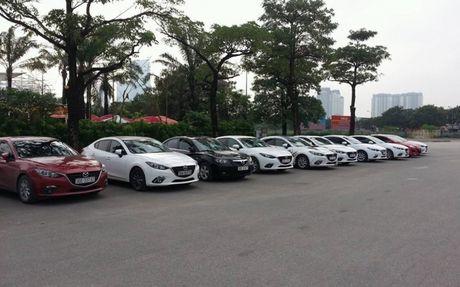 Choang ngop dan Mazda 3 hoi ngo tai Ha Noi - Anh 8