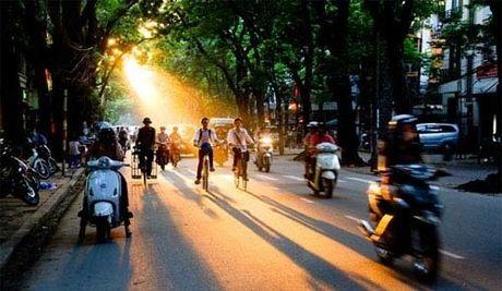 Thoi tiet ngay 18/10: Mien Bac nang nong, Mien Nam mua rao - Anh 1