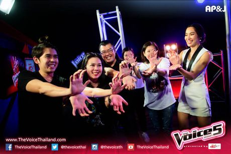 Sau Doraemon, The Voice Thailand lai khien khan gia 'phat dien' vi… 7 vien ngoc rong - Anh 5