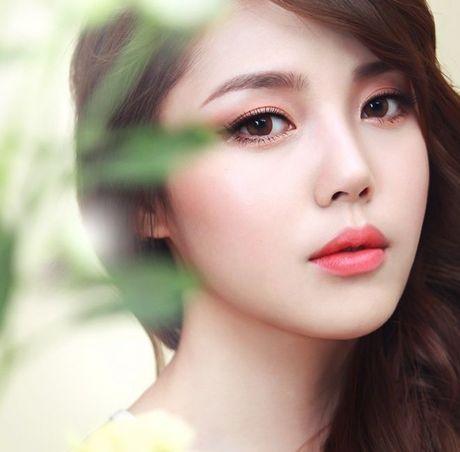 Day la 8 'manh' de 1 co nang binh thuong co the trang diem dep nhu beauty blogger - Anh 3