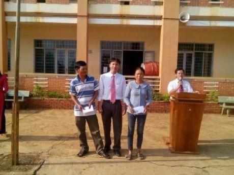 Truong THCS Nguyen Cong Tru o Dak Nong: Vuot kho di len - Anh 2