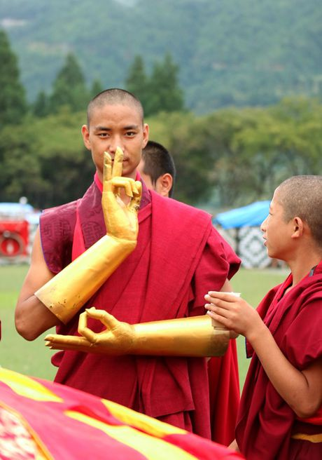 Bhutan - le hoi mua thu nhin khong chan mat - Anh 13