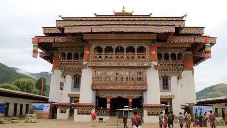 Bhutan - le hoi mua thu nhin khong chan mat - Anh 1