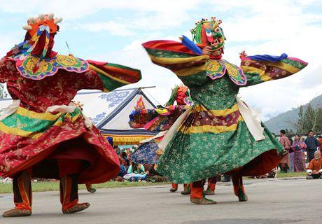 Bhutan - le hoi mua thu nhin khong chan mat - Anh 9