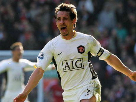 Gary Neville 'ga bai' cho Man United danh bai Liverpool - Anh 1