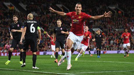 Gary Neville 'ga bai' cho Man United danh bai Liverpool - Anh 2