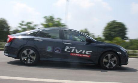 So sanh Honda Civic the he moi va cu o Viet Nam - Anh 19