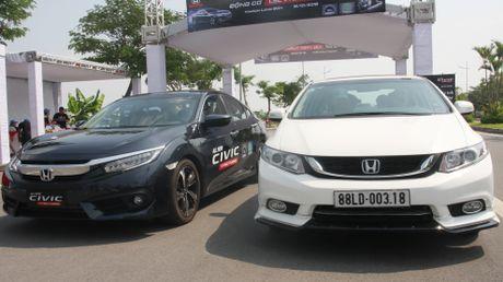 So sanh Honda Civic the he moi va cu o Viet Nam - Anh 1