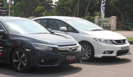 So sanh Honda Civic the he moi va cu o Viet Nam - Anh 2