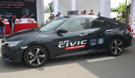 So sanh Honda Civic the he moi va cu o Viet Nam - Anh 3