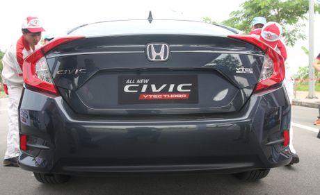 So sanh Honda Civic the he moi va cu o Viet Nam - Anh 7