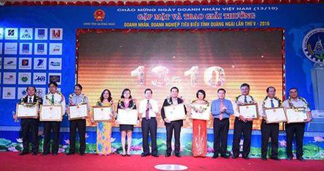 VNPT Quang Ngai duoc ton vinh Doanh nghiep xuat sac tinh Quang Ngai - Anh 1