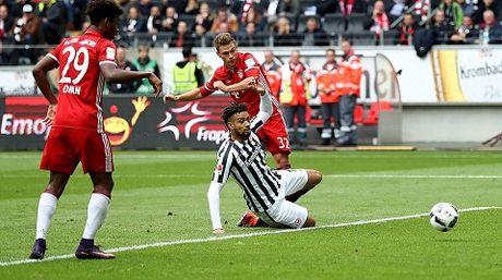Ancelotti da voi vang khi che Bundesliga nham chan - Anh 2
