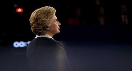 Coi thuong tro lo bich cua ong Trump, ba Clinton 'khong them tham du' doi dau lan 3? - Anh 2