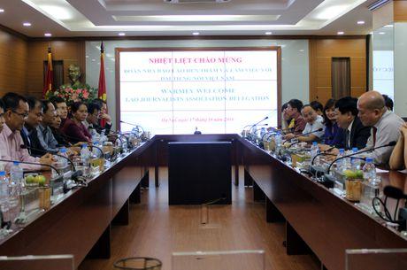 Tong Giam doc VOV gap go Hoi Nha bao Lao - Anh 1