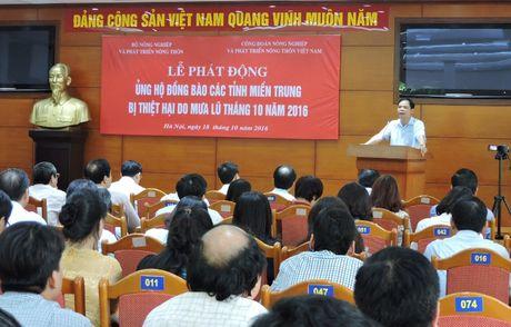 Cac bo, nganh chung tay ung ho dong bao mien Trung - Anh 1