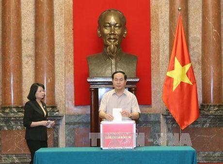 Cac co quan Trung uong chung tay ung ho dong bao mien Trung - Anh 2