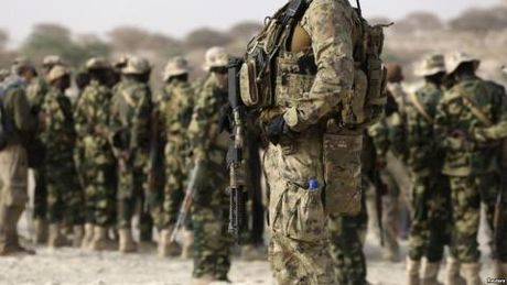 Chi huy My tu tran tai Raqqa: Do quan doi Syria? - Anh 1