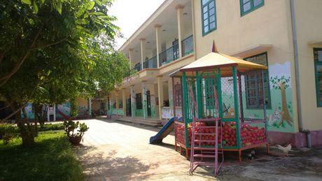 Thanh Hoa: Phan doi xay tram BTS, hang tram phu huynh cho con nghi hoc - Anh 1