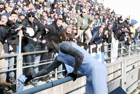 Diem tin hau truong 18/10: CDV Inter 'nguyen rua' Icardi; 'Tinh tin don' Ronaldo khoe ve dep boc lua - Anh 5