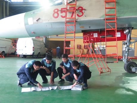 Bat ngo: Viet Nam hien ke giup Nga hoan thien MiG-21 - Anh 11