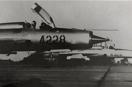 Bat ngo: Viet Nam hien ke giup Nga hoan thien MiG-21 - Anh 1