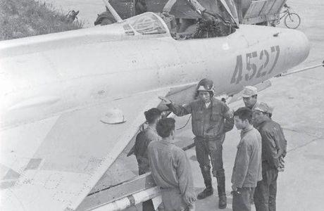 Bat ngo: Viet Nam hien ke giup Nga hoan thien MiG-21 - Anh 3