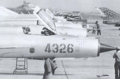 Bat ngo: Viet Nam hien ke giup Nga hoan thien MiG-21 - Anh 4