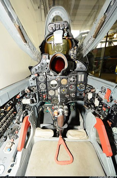 Bat ngo: Viet Nam hien ke giup Nga hoan thien MiG-21 - Anh 6