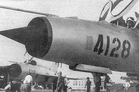 Bat ngo: Viet Nam hien ke giup Nga hoan thien MiG-21 - Anh 7