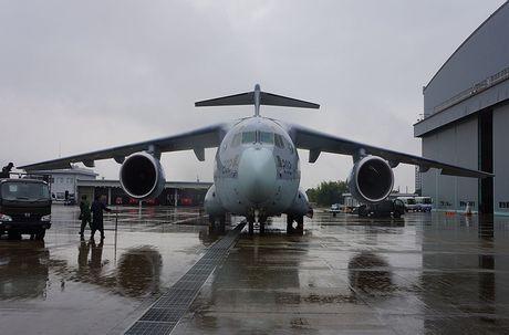 Sieu co van tai Kawasaki C-2 Nhat Ban kho 'de' hang loat - Anh 8