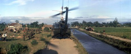 Chien tranh Viet Nam trong loat anh cua Phillip Kemp (1) - Anh 10
