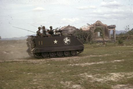 Chien tranh Viet Nam trong loat anh cua Phillip Kemp (1) - Anh 7