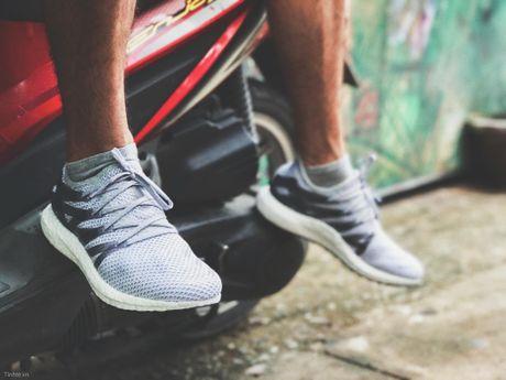 'Tren chan' Adidas MFG, doi giay lam tu nha may robot o Duc - Anh 10