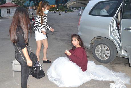 Bao so 7: Quang Ninh da co mua va gio giat manh - Anh 15