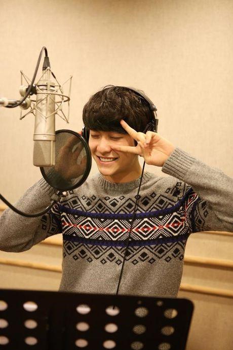 Can canh guong mat that khong son phan cua Kang Tae Oh - Anh 5