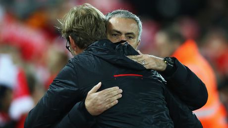 Chao mung den voi thanh cong o MU, Mourinho! - Anh 1