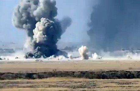 Cuoc chien Mosul: Xe bom tu sat lao thang vao xe tang quan doi Iraq - Anh 2