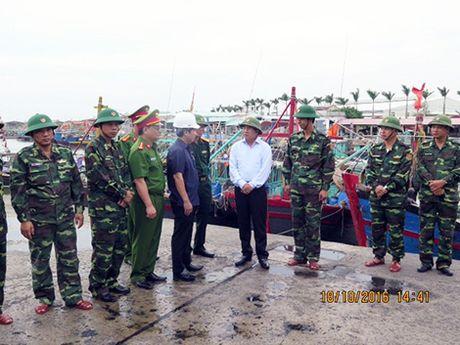 Pho Thu tuong Trinh Dinh Dung kiem tra cong tac phong, chong bao so 7 tai Hai Phong - Anh 3