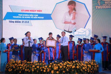 TPHCM vinh danh 83 thu khoa cac truong dai hoc, cao dang - Anh 2