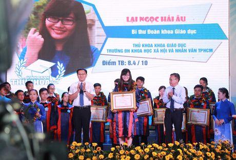 TPHCM vinh danh 83 thu khoa cac truong dai hoc, cao dang - Anh 3