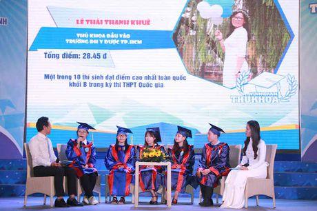 TPHCM vinh danh 83 thu khoa cac truong dai hoc, cao dang - Anh 5