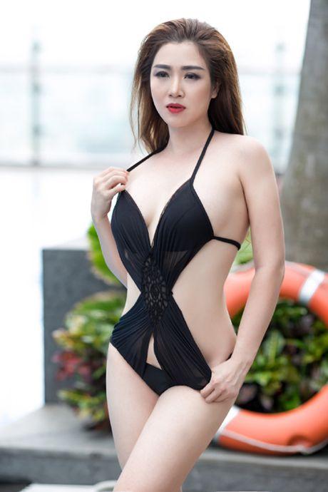 'Bong mat' voi 'than hinh ve nu' cua ca si Ngoc Tran Anh - Anh 2