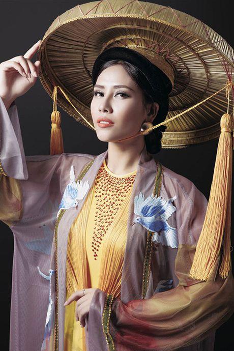 Can canh bo ao tu than Nguyen Thi Loan trinh dien tai cuoc thi Hoa hau Hoa binh quoc te - Anh 3