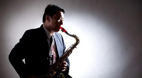 Coi buon cua nghe si saxophone Le Tan Quoc - Anh 1