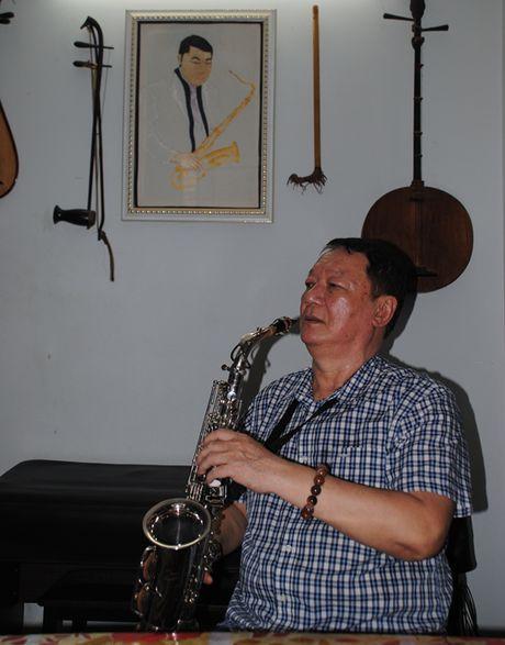 Coi buon cua nghe si saxophone Le Tan Quoc - Anh 2