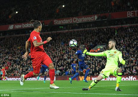 Huyen thoai Manchester United khong tiec loi khen ngoi thu thanh David de Gea - Anh 3