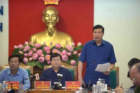Pho thu tuong Trinh Dinh Dung ve Quang Ninh truc tiep chi dao phong chong bao - Anh 2