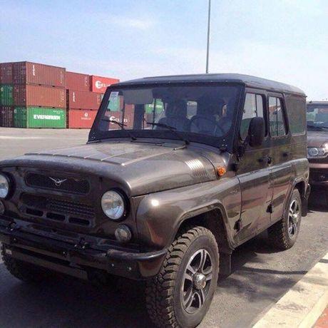 Nhung chiec xe Nga huong thue 0% dau tien da ve Viet Nam - Anh 5