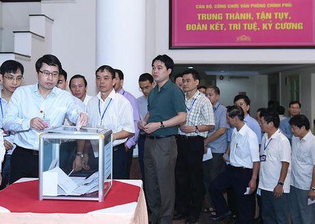 Thu tuong, cac Pho Thu tuong quyen gop ung ho dong bao mien Trung - Anh 3